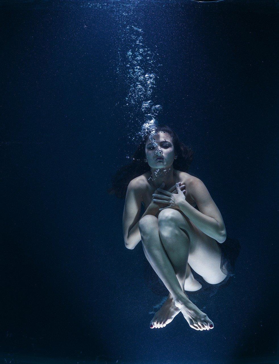 water, underwater, nightmare
